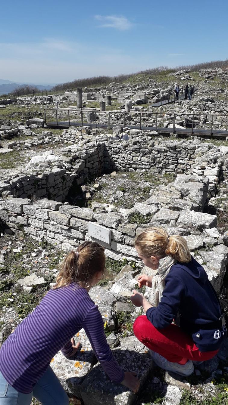 Archaeology-for-children