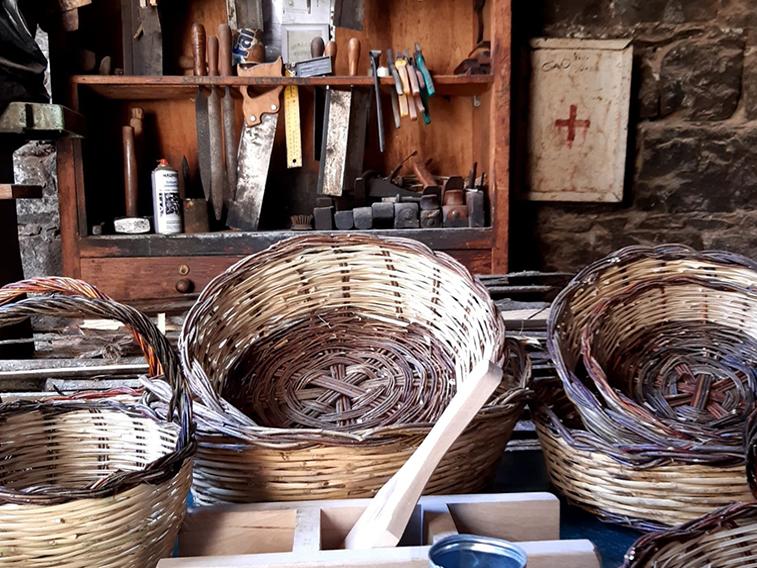 Sicilian-baskets-castelbuono