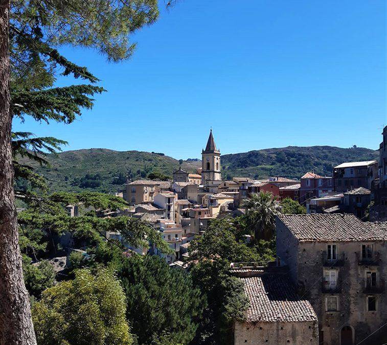 Novara-di-sicilia-hidden-village-sicily